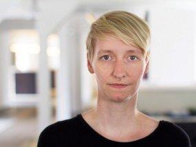 Susan Pawlak arbeitet im Bereich Reinzeichnung und Produktion