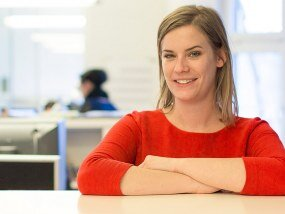 Annika Beste ist Design Director mit Schwerpunkt Corporate Design